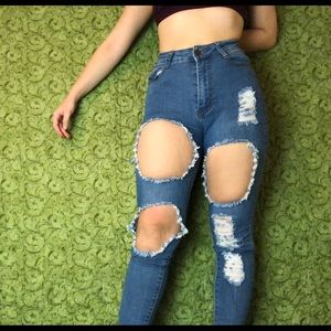 Denim - Ripped blue jeans Size 5